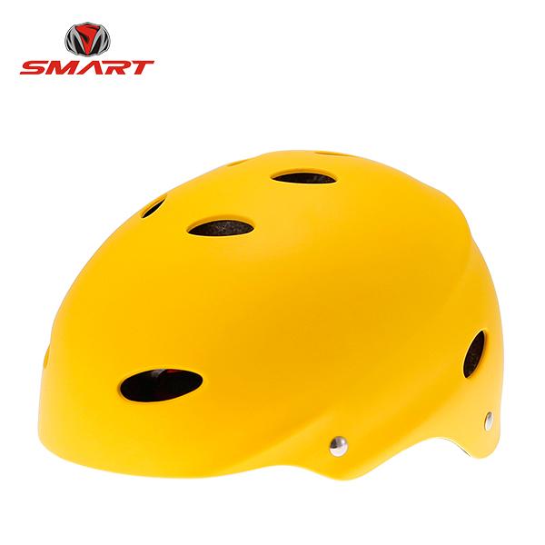 roller skate helmet 02